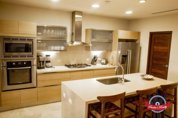 Verdemar Kitchen